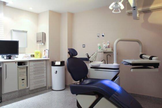 Gabinete de higiene y de desinfección periodontal